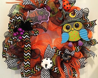 Halloween Wreath, Deco Mesh Wreath, Trick or Treat Wreath, Orange and Black Wreath,Owl Wreath, Pumpkin Wreath, Door Wreath