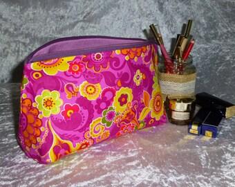 FOR SALE, Funky Toiletries Bag, Retro Cosmetics Bag, Large Make Up Bag, Retro Make-up bag, Funky Cosmetics Bag, 60's Make-up Bag,