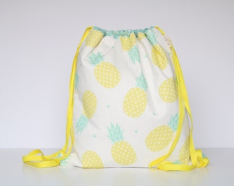 BACKPACK PINEAPPLES