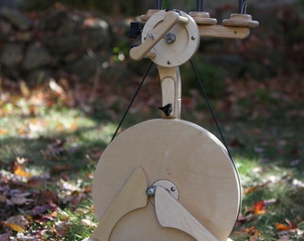 Pollywog - child's and beginner spinning wheel, hand spinning, Spinolution, 4 oz bobbin