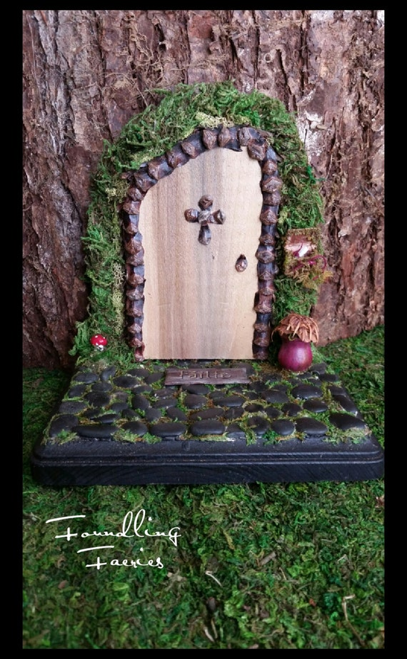 Pinealcross faerie door for The faerie door