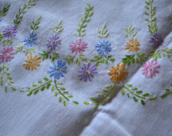 Hand Embroidered Daisy Table Cloth