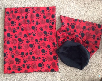 Pet Snuggle Sack/Sleeping Bag - Red with black Swirl Paws-medium