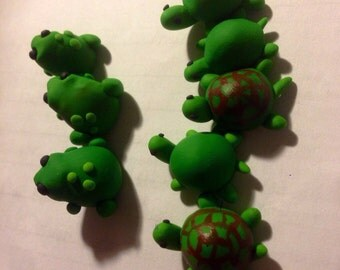 Mini polymer clay frogs and turtles