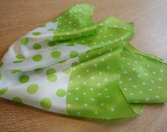 Scarf with white and green dots