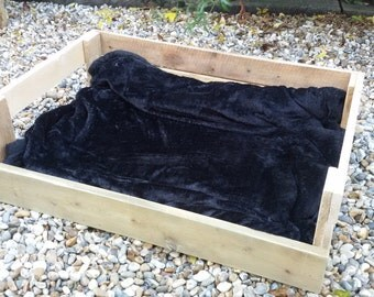 80x50cm Dog or Cat Bed Made From Reclaimed Pallet Timber