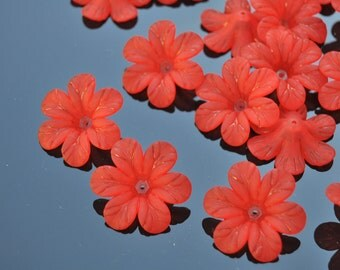 LOW PRICE Set of 10 Red Frosted Lucite Daisy Flower Beads, 1.25 inch size /X421