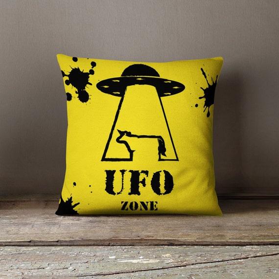Alien pillow alien decor alien gift ufo by wfrancisdesign for Alien decoration