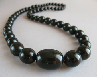 Black  Bakelite necklace, Art Deco 1930s