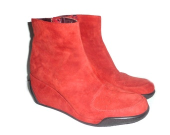 Red Faux Suede Wedge Ankle Boots New Old Stock size 7M