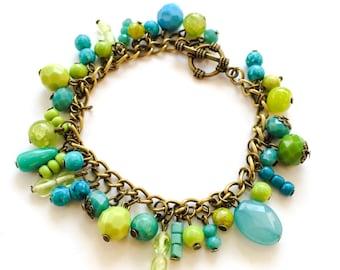 Lemon green & turquoise crystal bracelet - colourful bracelet beaded bracelet - Cold colours bracelet -  Chain bracelet - Playful bracelet