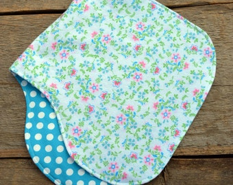 Baby burp cloth, Blue flowers and dots