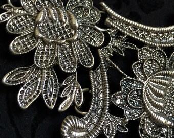 Vintage look silver tone boho bib necklace chain link