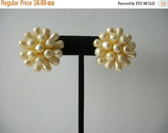ON SALE Vintage 1960s Cream Faux Pearl Cluster Chunky Earrings 71416