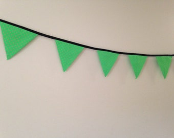 Party Bunting - Green