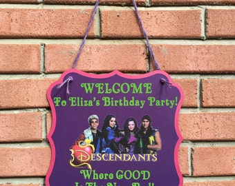 Disney Descendants inspired personalized party/room door sign (DESCENDANTS 2 images available too), welcome sign, Mal, Evie, Jay, Carlo, Uma