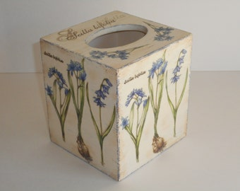 Tissue Box Cover, Decoupage Wooden Tissue Box  Holder, Vintage Style, Shabby Chic Style