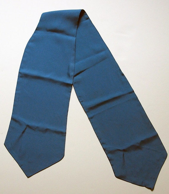 Vintage 1950s Liberty of London Blue Silk Ascot Cravat Neck-Tie Made in England
