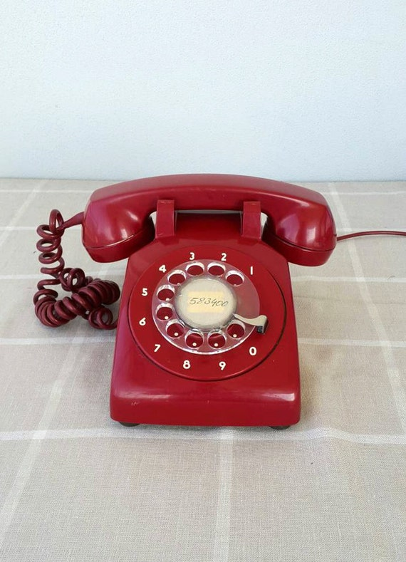 Vintage red rotary phone Old telephone Classic desk phone Retro dial phone 70's 80's Mid century Retro home decor vintage photo prop