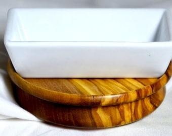 China dish with Olive wood base 1