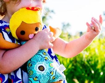 Blond girl doll, Girl Rag Doll, Fabric Cloth Doll, Latina Soft Doll, Handmade kids Gift, Girl doll gift, Stuffed toy / Poupee de chiffon