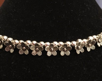 Sweet Silver Dasiy Necklace