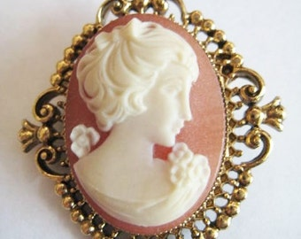 Avon Vintage Faux Cameo Locket Pin