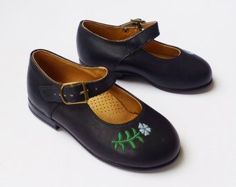 Vintage NOS 70s Dark Blue Mary Janes Made in France EU 21