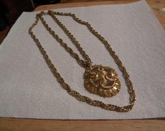 Double chain pendant