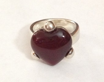 Sterling silver red heart ring size 6.75