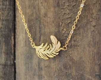 Feather Necklace, Gold Feather Necklace, Dainty Gold Necklace, Minimalist Necklace, Delicate Necklace.