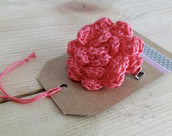 Pink flower brooch. Crochet flower brooch. Crochet pin. Flower Pin.