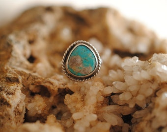 Turquoise and Silver Rope Ring | Size 6