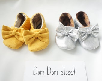 Infant and toddler - Baby girl designer fabric shoes. Soft Shoes/Crib Shoes/Baby Booties/Toddler Slippers Custom Sizes 0-24 months