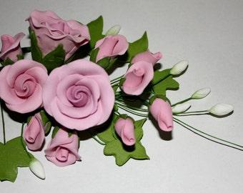 Tea Rose Spray, Lilac, Medium Edible Blooms for Cake Decorating - FREE UK SHIPPING