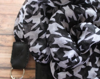 Horse and Hound camera scarf strap {Long}