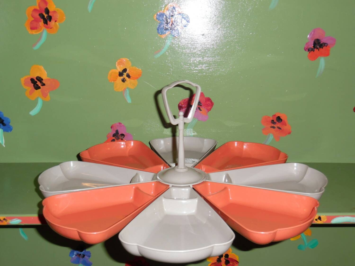 Plastic flower serving tray platter grey red orange modern for Modern kitchen table centerpiece