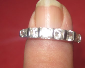 Amazing 925 silver ring White jewels size 6