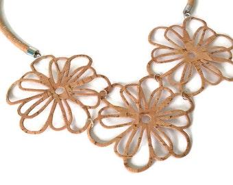 Dainty big cork flowers necklace, unique gifts, Portuguese cork necklace, flower necklace, vegan necklace, vegan jewelry, cork necklace