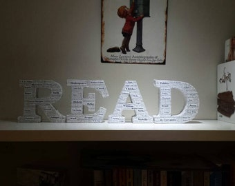 Unique 'READ' sign, Decorated with famous authors names