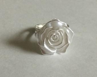 Pearl White Rose Ring