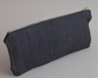 Pencil case with zipper