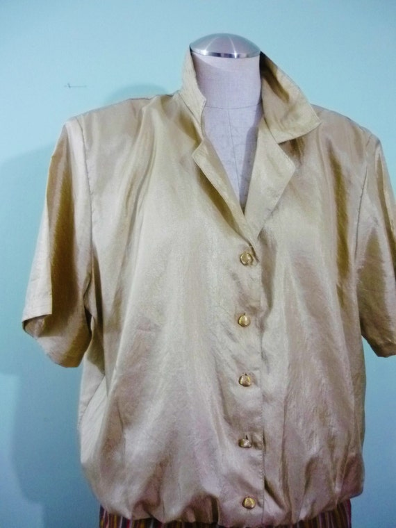 SALE! / Shimmering Golden Blouson Top / 1980s Gold Tone Short Sleeved Blouse / Retro Plus Size Pin Up / Modern Size XL-2X