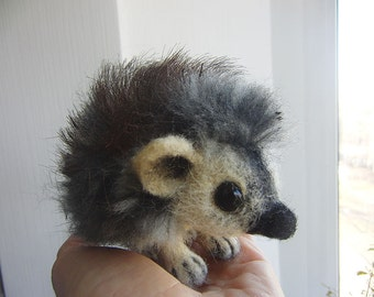 Needle Felted Animals , Little hedgehog, Toy, Realistic hedgehog, Animal Art Sculpture, hedgehog