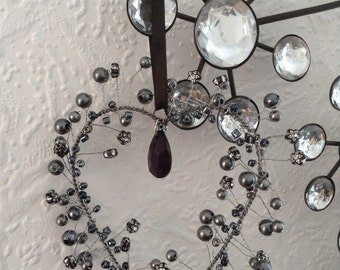 Hanging wire heart with beads