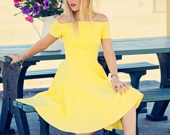 Sunshine yellow field of love