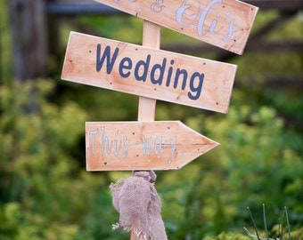 Personalised pointed directional wedding sign, Wedding this way sign, Rustic wedding sign , Farm wedding , Country wedding