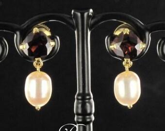 Garnets pearls earrings yellow gold 18K modern