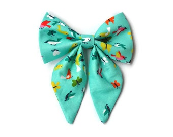 Dog bow in Turquoise with birds