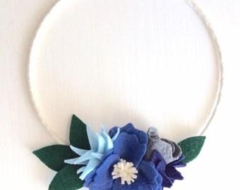 Felt flower wreath, Winter Wreath, 8 inch wreath, blue and gray felt, door decor, ribbon wrapped wire wreath